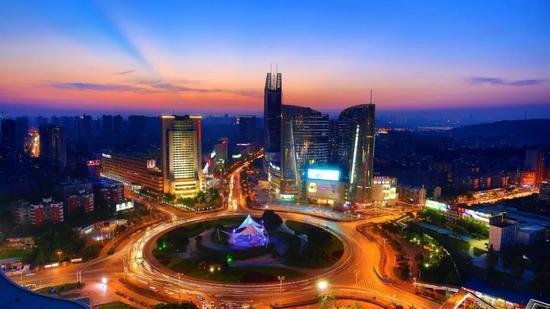 这束跨越近40年的光 至今依然影响着武汉乃至全国